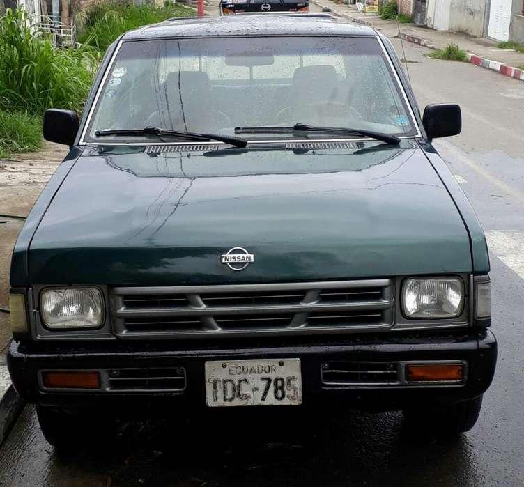 Nissan Pick-Up 2005 - 23000 km
