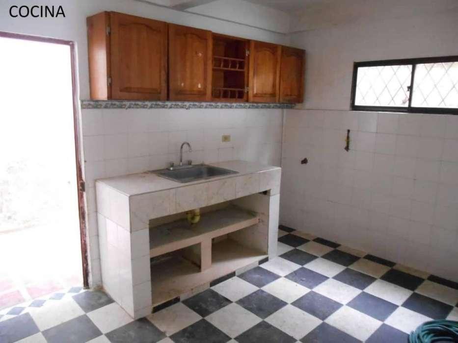 Se vende casa dividida con 2 <strong>apartamento</strong>s en el Nuevo bosque.