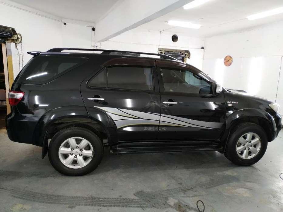 Toyota Hilux SW4 2011 - 143000 km