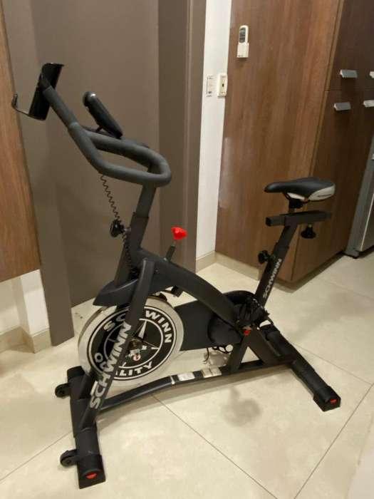 Schwinn - <strong>bicicleta</strong> de ciclismo para interiores - Poco Uso excelente estado