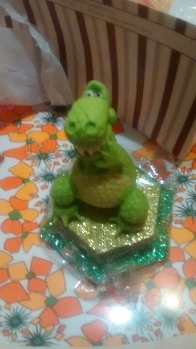 Adorno de Torta Dinosaurio sin Uso
