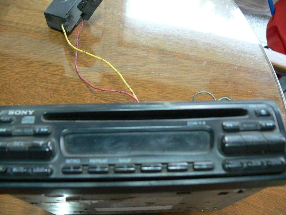 AUTOESTEREO SONY AM FM CD MODELO CDX 5070 80 WATS