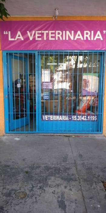 Local Parque Chacabuco solo pet shop o peluqueria canina