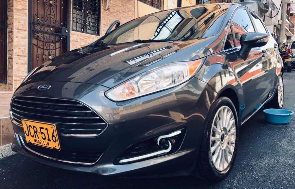 <strong>ford</strong> Fiesta  2016 - 40800 km