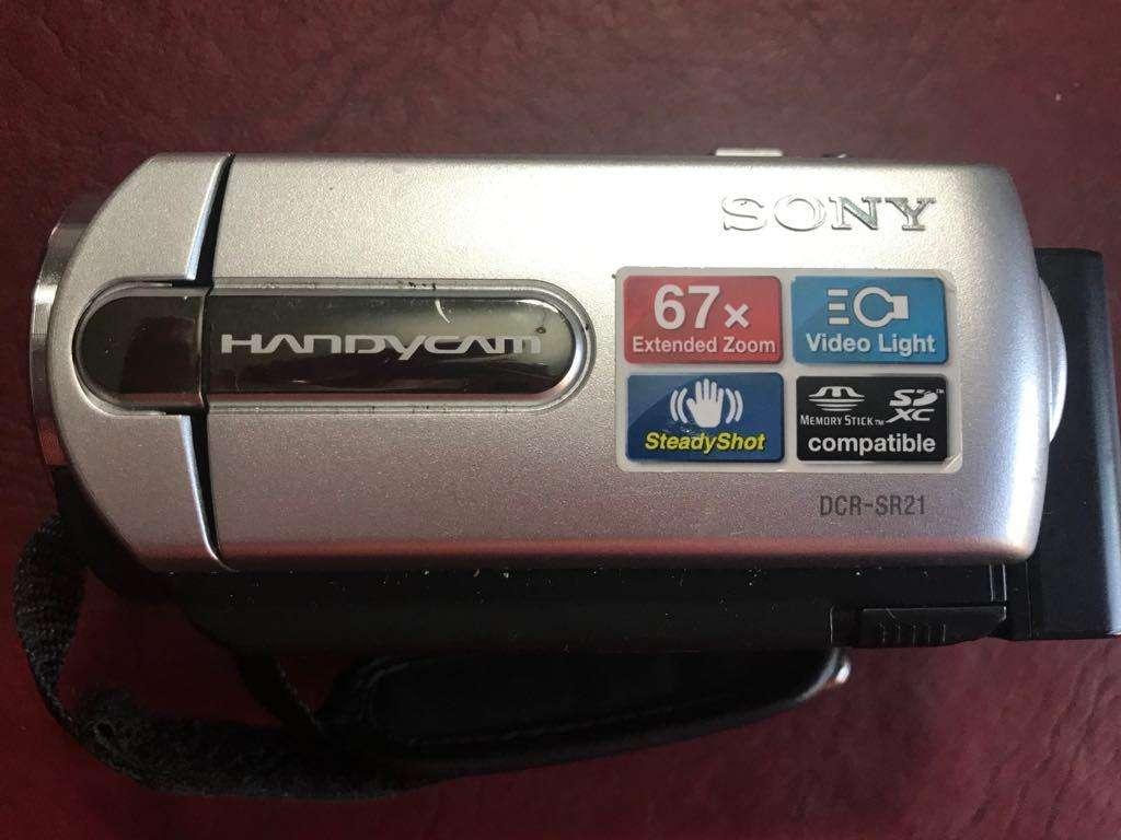 Handycam SONY DCR SR21