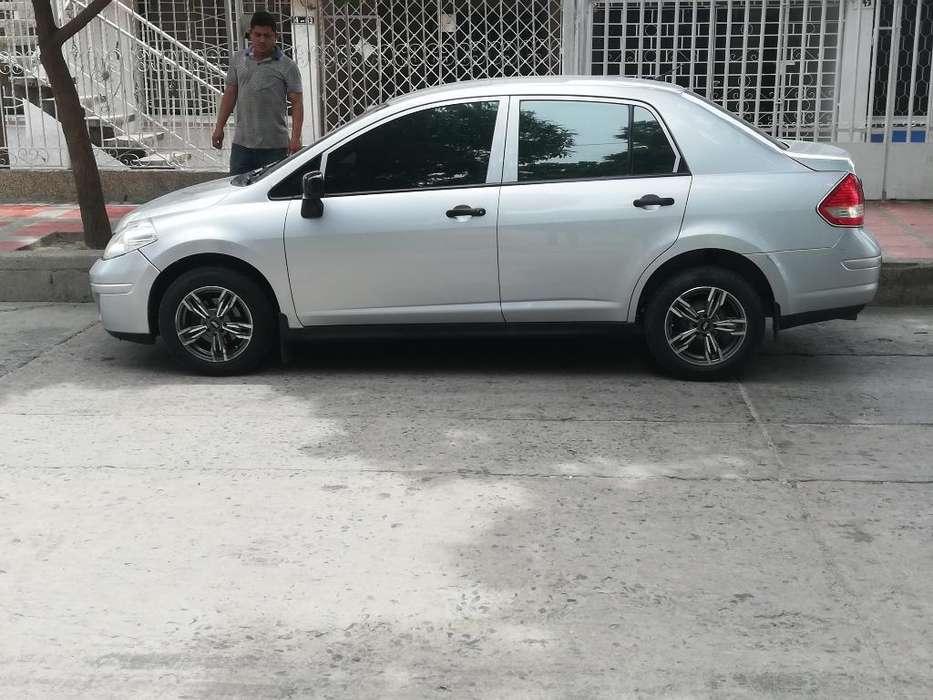 Nissan Titan 2012 - 85000 km