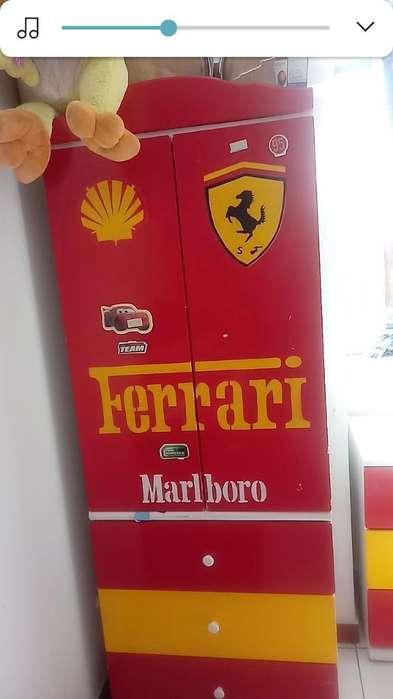 Vendo Juego de Dormitorio Ferrari 7 Piez