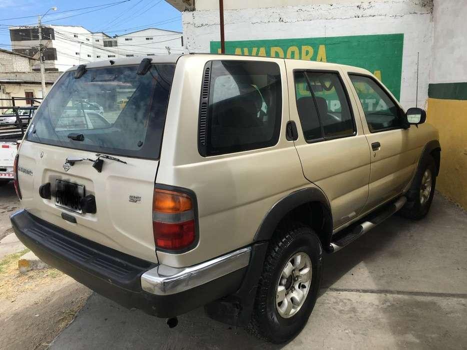 Nissan Pathfinder 1999 - 350000 km