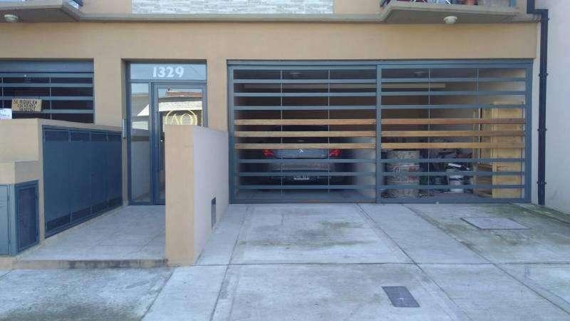 VENTA Cochera con acceso independiente en Villa Bosch