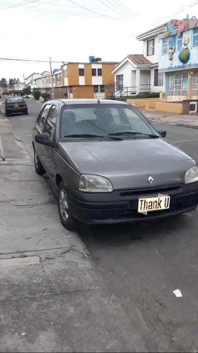 Renault Clio  2000 - 138000 km