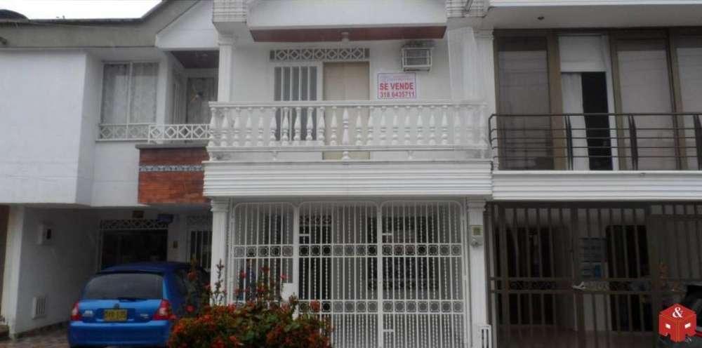 019 Casa en venta amplios espacios Rosa Blanca
