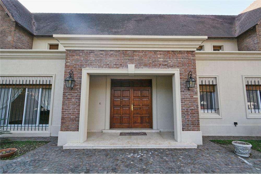 Casa en venta en Martinez: distinguida residencia