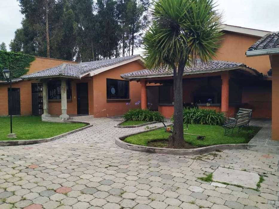 En Renta Casa 4 Dorm. Sector Eloy Alfaro Cerca a Gamavision Quito