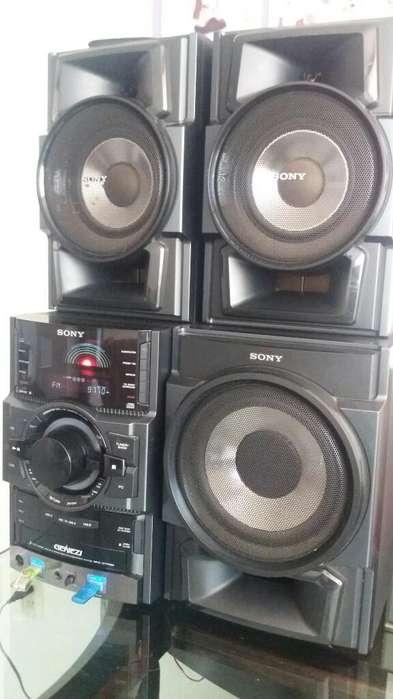 Equipo de Sonido Sony Genesis