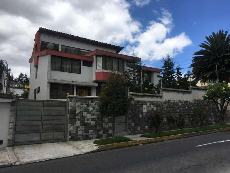 Vendo Casa con amplio terreno en Ponceano Alto Ag. Ximena Ortiz