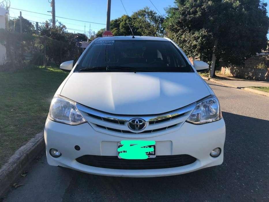 Toyota Etios Sedan 2014 - 100000 km