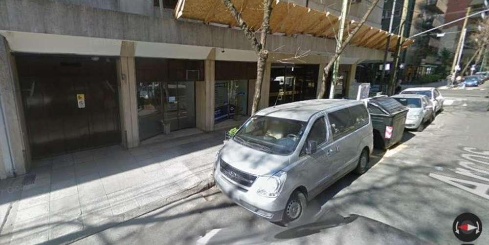 Alquilo cochera en Belgrano. Auto mediano a chico.