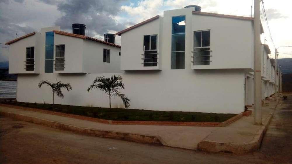 SE VENDE <strong>casa</strong> EN CONJUNTO RESIDENCIAL BRISAS DE ARKAMAR