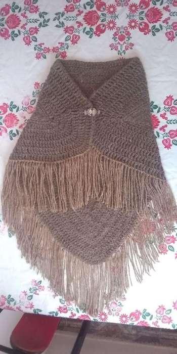 Chal triangular de lana de llama pura, trabajo artesanal