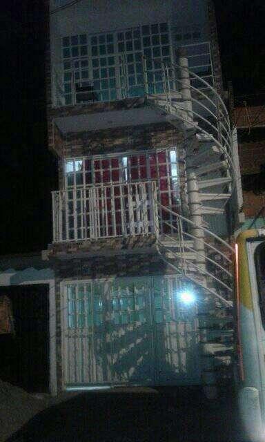 venta de casa en marroquin segunda etapa , de 3 plantas como se ve en la foto