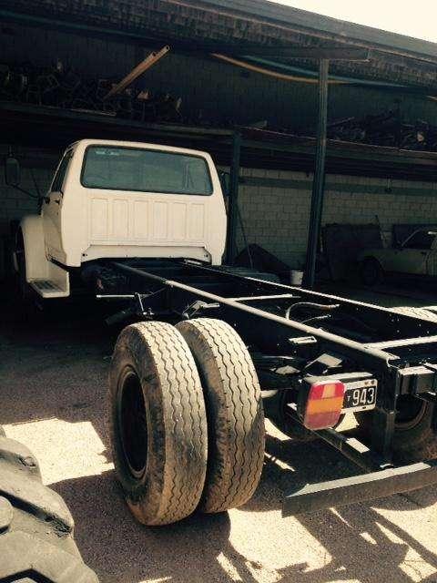 Camión Ford 14000/97 en excelente estado