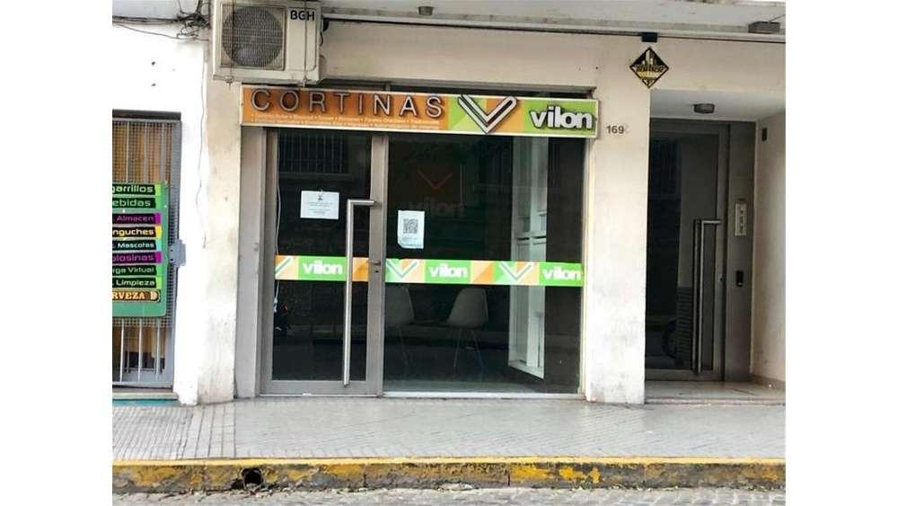 Jujuy 1600 - UD 72.000 - Local en Venta