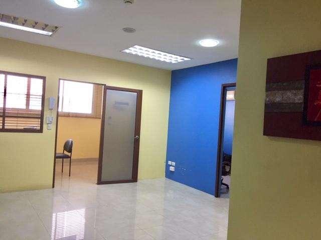Kennedy Norte vendo <strong>oficina</strong>/consultorio en Edificio Corporativo