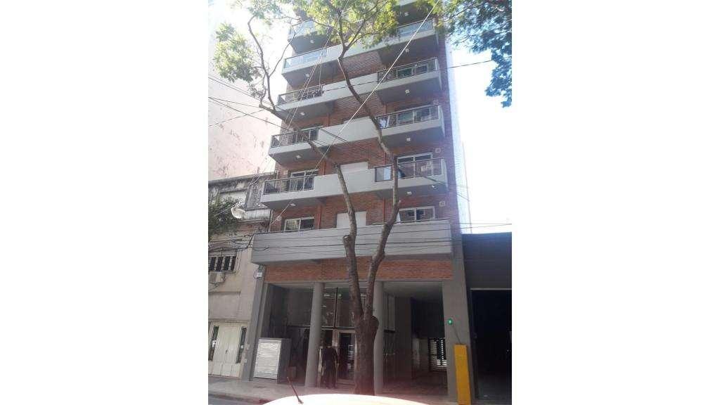 Balcarce  1400 5  - UD 79.000 - Departamento en Venta