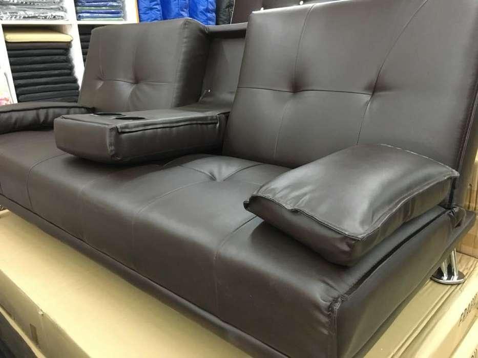 <strong>sofa</strong> Cama con Apoya Vasos