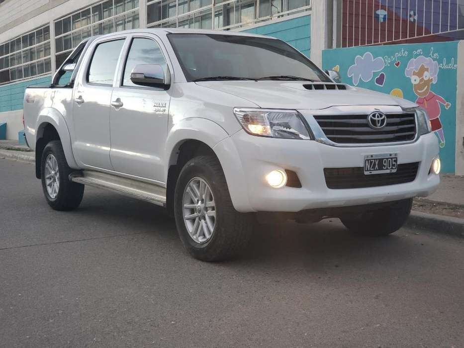 Toyota Hilux 2014 - 0 km