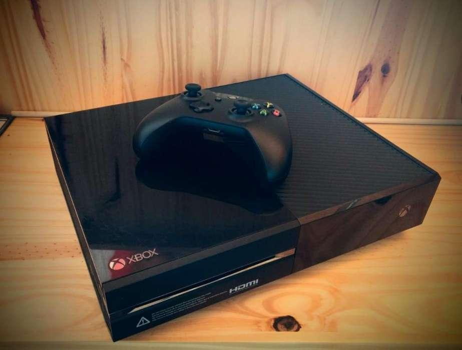 Vendo o permuto Xbox One de 500GB