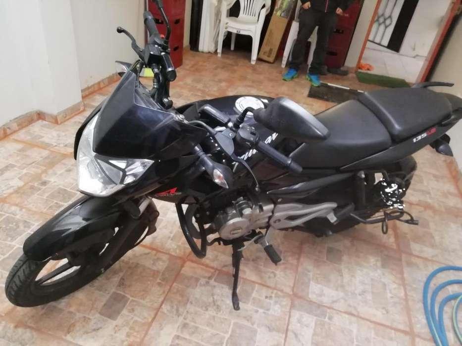 Vendo moto pulsar135