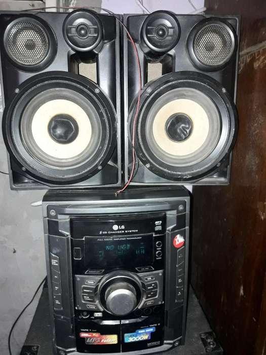 Equipo Música Lg..anda Radio.usb.casset.