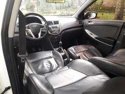 Vendo Hyundai I25 1400cc Full Mod 2012