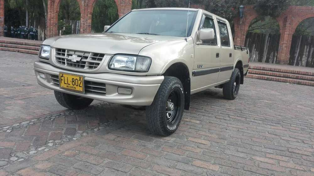 Chevrolet Luv 2004 - 326 km