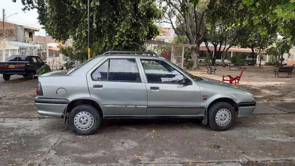 <strong>renault</strong> R19 1999 - 245000 km