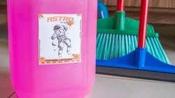Artiiculos de limpieza. Quimicos de limpieza. Productos quimicos.
