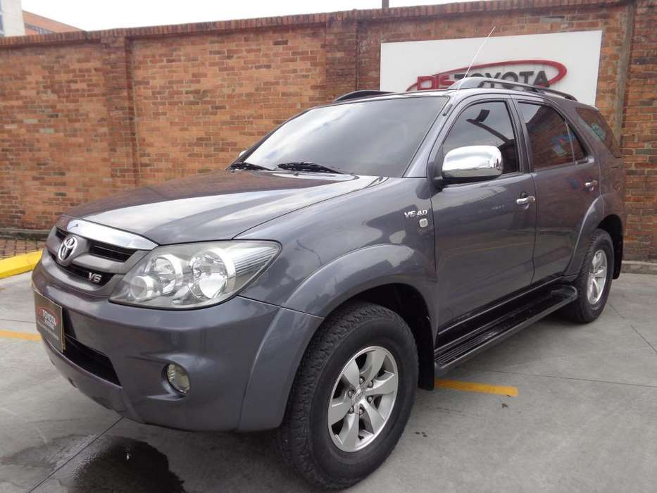 Toyota Fortuner 2009 - 115000 km