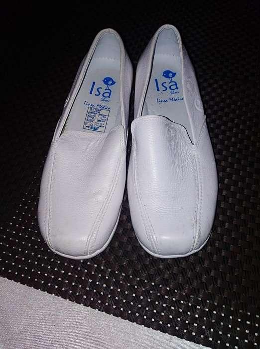 Zapatos de Enfermería Talla 34