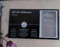 Nuevo Set de Edredon y Sabanas de Flores