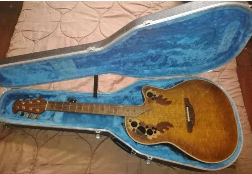 Guitarra Ovation de Colección.