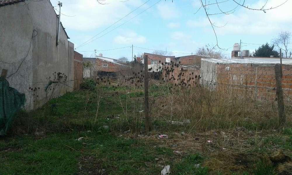 Vdo <strong>terreno</strong> 15x45mts Zona Don Emilio