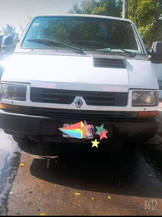 Camioneta Trafic Renault