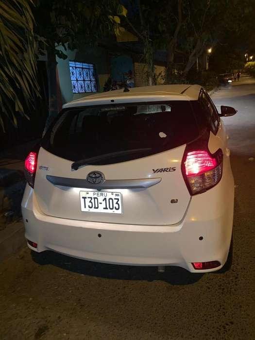 Toyota Yaris 2014 - 105000 km