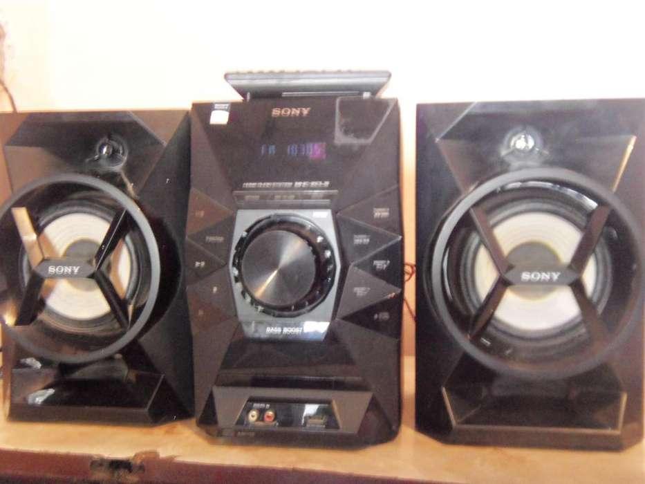 Minicomponente o Equipo de musica Sony, impecable, control