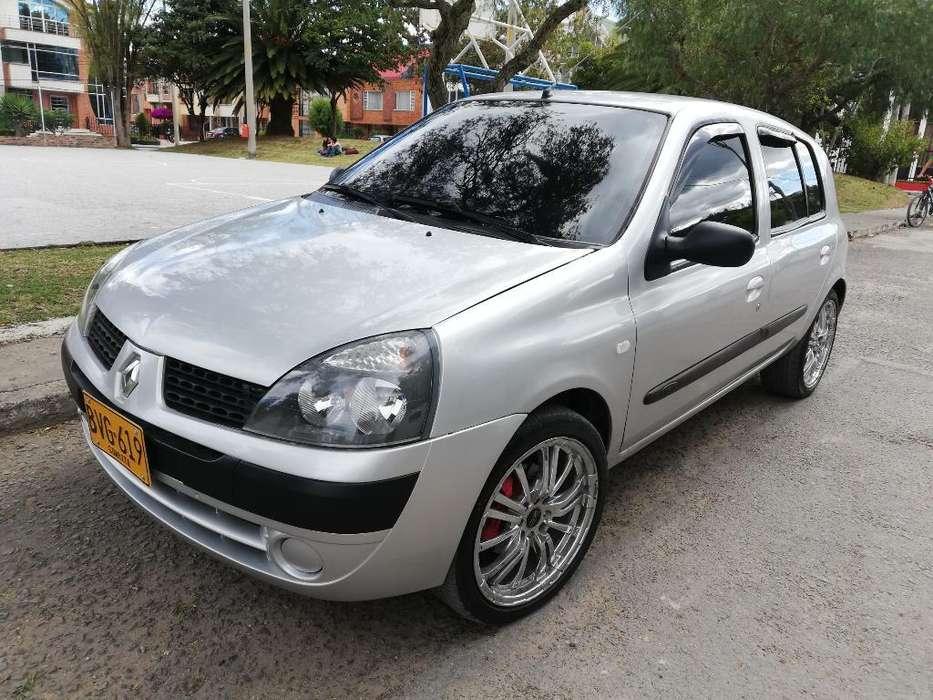 Renault Clio  2004 - 140 km