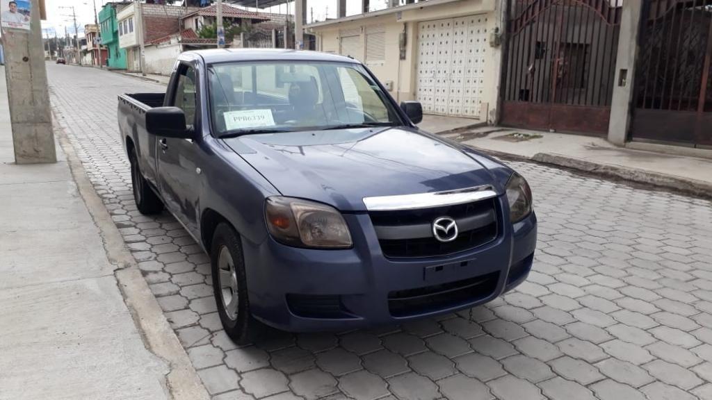 Vendo Camiobeta Mazda Bt50 2.6cc 4x2