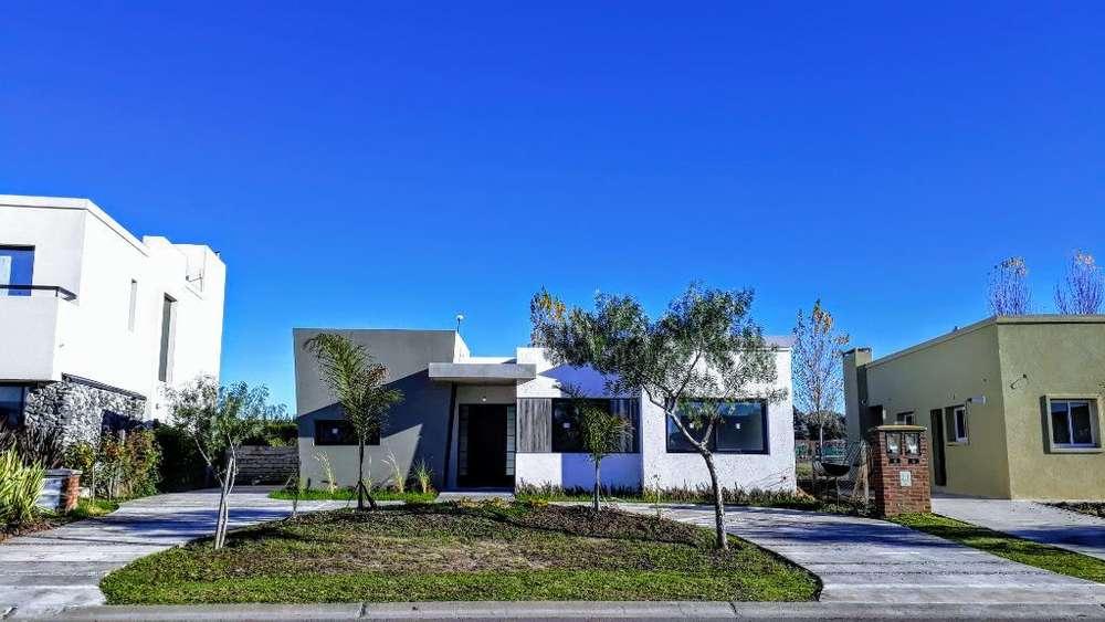 Casa Moderna Pilar B San Alfonso Priv