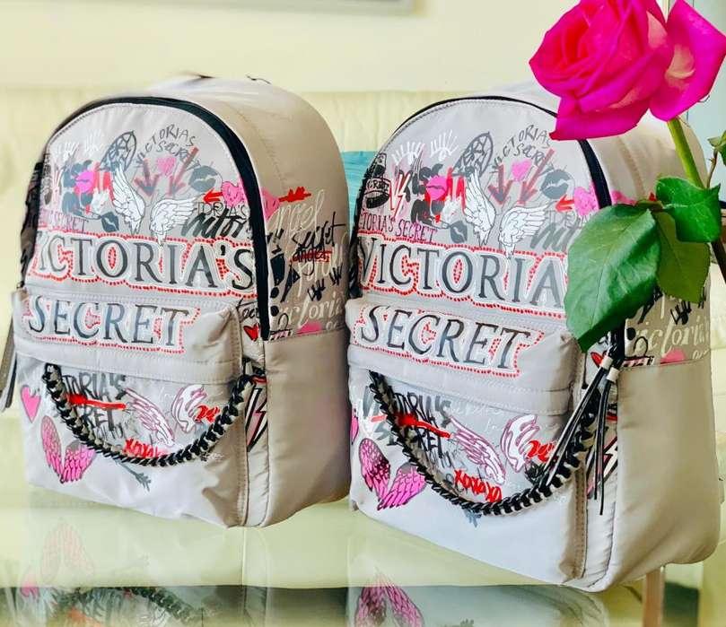 Mochilas y carteras victoria Secret
