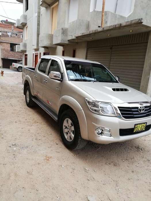 Toyota Hilux 2014 - 70000 km